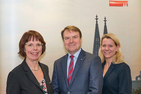 Tourismusbilanz Köln 2016. Elisabeth Thelen, Josef Sommer, Stephanie Kleine Klausing. ©www.badurina.de