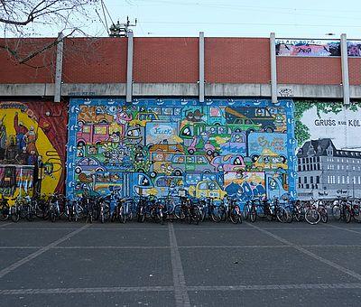 PEZ & Colorrevolution, Gerhard-Wilczek-Platz ©Jesse von Laufenberg, KölnTourismus GmbH