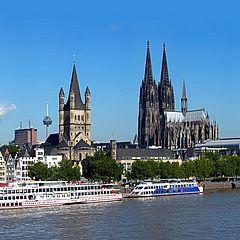 Kölner Rheinpanorama: Altstadt, Romanische Kirche Groß St. Martin und Kölner Dom ©KölnTourismus GmbH, Udo Haake