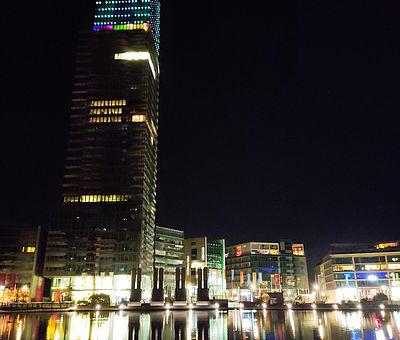 Media Park bei Nacht ©KölnTourismus GmbH