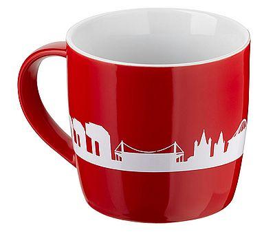 Rote Kaffeetasse mit Kölner Skyline
