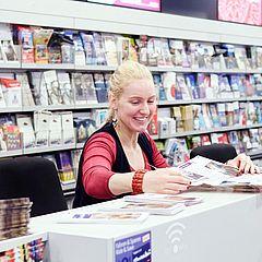 Beratung im ServiceCenter der KölnTourismus GmbH ©Dieter Jacobi, KölnTourismus GmbH