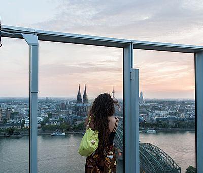 Aussichtsplattform auf dem Dach des KölnTriangle ©Damian Zimmermann